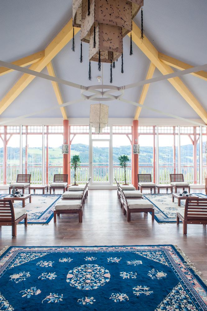 Teezeremonienraum mit Blick auf Maria Weitschach
